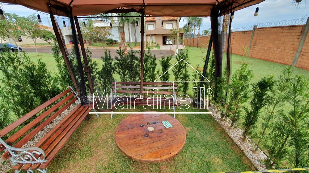 Alugar Casa / Condomínio em Cravinhos R$ 2.600,00 - Foto 24