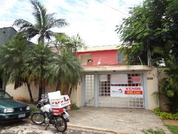 Alugar Casa / Padrão em Ribeirão Preto. apenas R$ 2.450,00