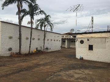 Alugar Imóvel Comercial / Salão em Ribeirão Preto. apenas R$ 5.000,00