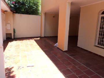 Alugar Casa / Padrão em Ribeirão Preto. apenas R$ 2.700,00
