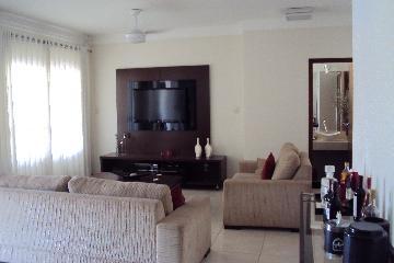 Alugar Casa / Padrão em Ribeirão Preto. apenas R$ 750.000,00