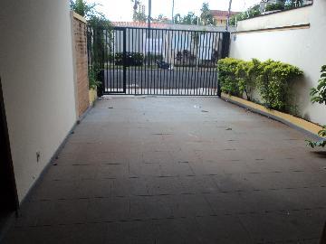 Alugar Casa / Padrão em Ribeirão Preto. apenas R$ 1.690,00