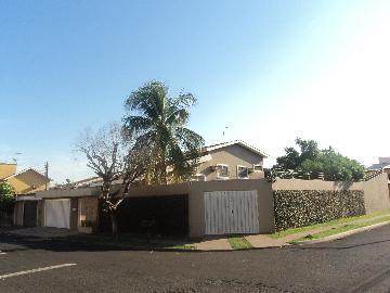Alugar Casa / Padrão em Ribeirão Preto. apenas R$ 827.000,00