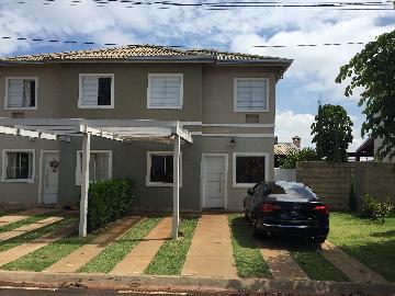 Comprar Casa / Condomínio em Ribeirão Preto. apenas R$ 420.000,00