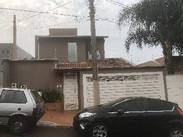 Alugar Casa / Padrão em Ribeirão Preto. apenas R$ 680.000,00