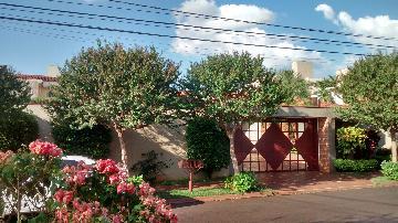 Alugar Casa / Padrão em Ribeirão Preto. apenas R$ 3.800,00
