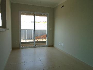 Apartamento / Padrão em Ribeirão Preto Alugar por R$1.560,00