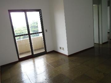 Apartamento / Padrão em Ribeirão Preto Alugar por R$870,00