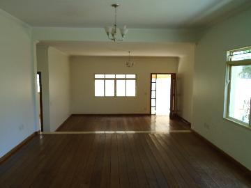 Casa / Padrão em Ribeirão Preto Alugar por R$2.800,00