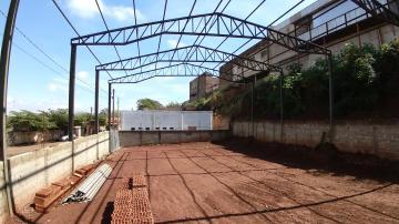 Alugar Imóvel Comercial / Galpão / Barracão / Depósito em Cravinhos. apenas R$ 4.800,00