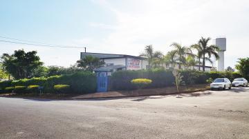 Alugar Imóvel Comercial / Galpão / Barracão / Depósito em Batatais. apenas R$ 25.000,00