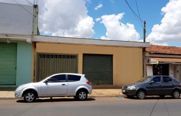 Casa / Padrão em Ribeirão Preto Alugar por R$1.350,00
