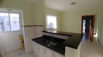 Alugar Apartamento / Padrão em Ribeirão Preto. apenas R$ 900,00