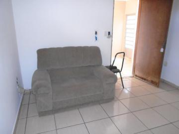 Casa / Padrão em Ribeirão Preto Alugar por R$1.200,00