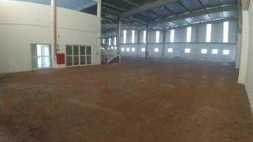 Alugar Imóvel Comercial / Galpão / Barracão / Depósito em Cravinhos. apenas R$ 9.600,00