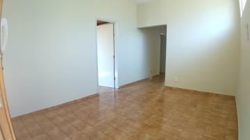 Casa / Padrão em Ribeirão Preto Alugar por R$1.700,00