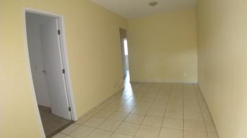Casa / Condomínio em Ribeirão Preto Alugar por R$1.800,00