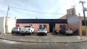 Casa / Padrão em Ribeirão Preto Alugar por R$3.000,00