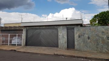 Casa / Padrão em Ribeirão Preto Alugar por R$2.700,00
