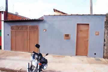 Casa / Padrão em Ribeirão Preto Alugar por R$500,00