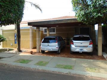 Casa / Condomínio em Ribeirão Preto Alugar por R$2.200,00