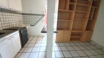 Apartamento / Padrão em Ribeirão Preto Alugar por R$400,00