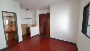 Apartamento / Kitnet/Flat em Ribeirão Preto Alugar por R$450,00