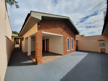 Casa / Padrão em Ribeirão Preto Alugar por R$1.900,00