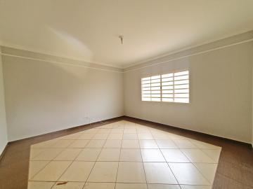 Alugar Casa / Padrão em Brodowski R$ 1.100,00 - Foto 2