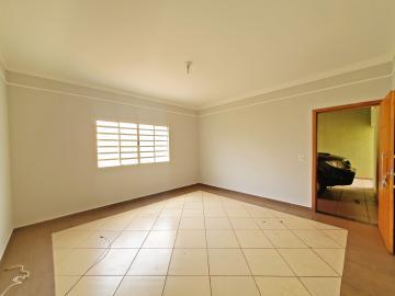 Alugar Casa / Padrão em Brodowski R$ 1.100,00 - Foto 3