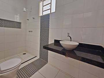 Alugar Casa / Padrão em Brodowski R$ 1.100,00 - Foto 17