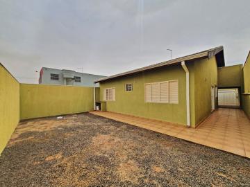 Alugar Casa / Padrão em Brodowski R$ 1.100,00 - Foto 1