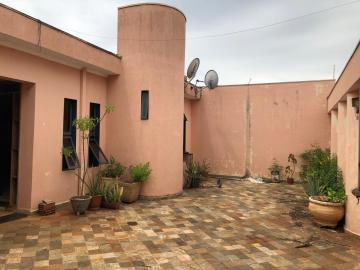Casa / Padrão em Ribeirão Preto Alugar por R$4.100,00