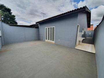 Casa / Padrão em Ribeirão Preto Alugar por R$1.600,00