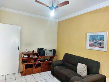 Casa / Condomínio em Ribeirão Preto Alugar por R$1.400,00